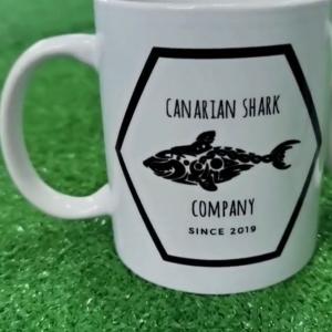 Foto de Taza blanca de Canarian Shark Company